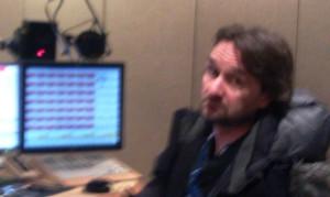Prietenul ULFUR de la radioul islandez. De gasca, ca orice om de radio.